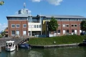 Gemeentehuis-Brielle-stadhuis (1)